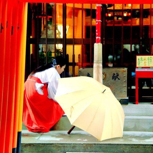 Tsumekakeinari Shrine
