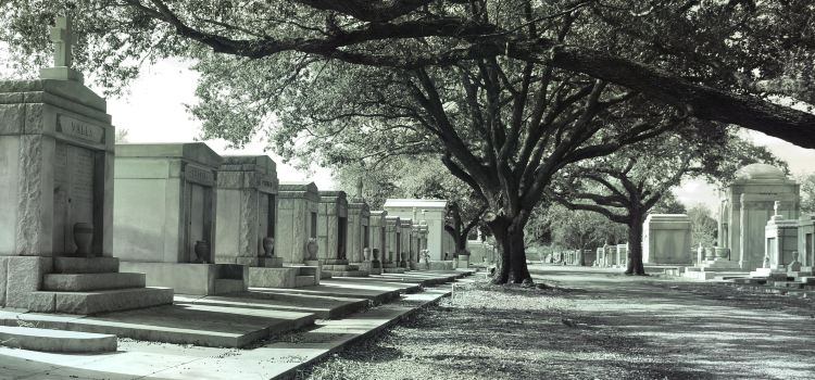 Metairie Cemetery1