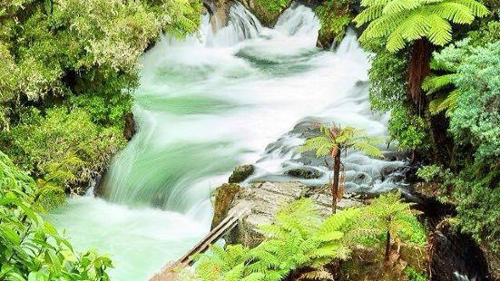 歐卡雷瀑布
