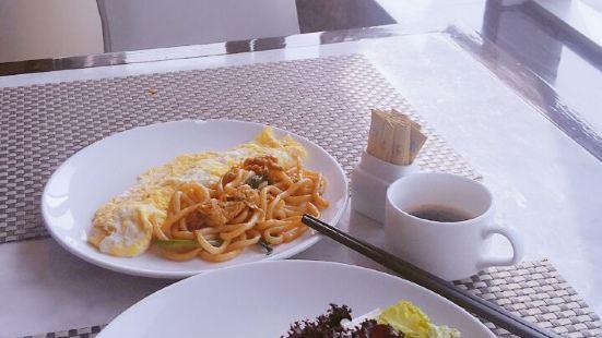 伊美廣場酒店自助餐廳