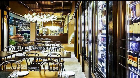 Hurricane's Grill & Bar(Surfers Paradise店)