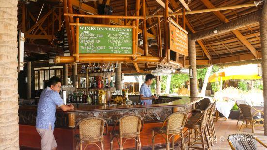 Fridays Restaurant and Bar