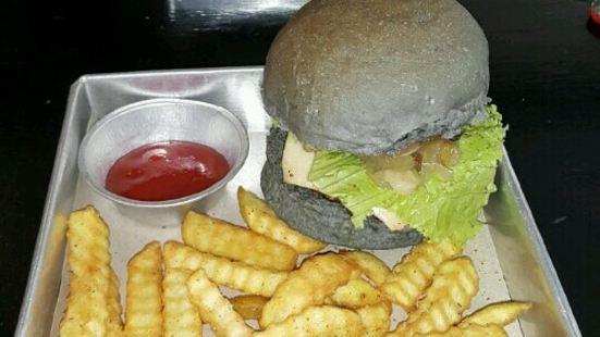 Black House Burgers