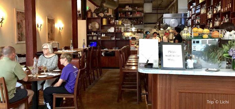 Tilikum Place Cafe2