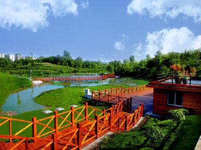 Baiping Feilong Town Tourism Resort