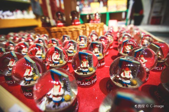 羅瓦涅米:北極線外與聖誕長者相約