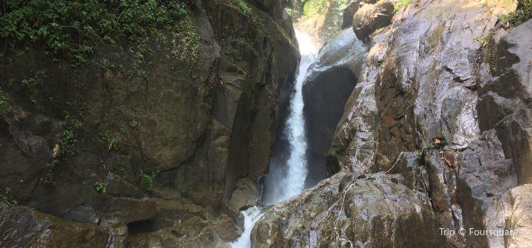 Chiling Waterfall1