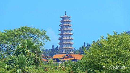 Thousand Buddha Pagoda