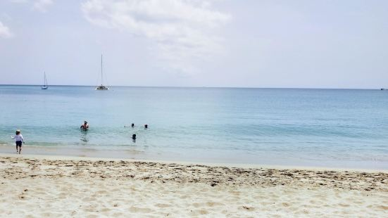 Pinney's Beach