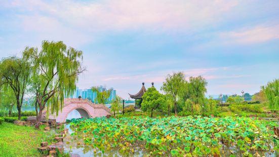 Fengchenghe Peach Garden