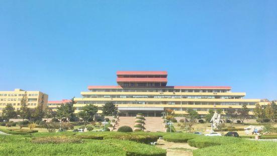 Qingdao University (zhongxinxiaoqu)