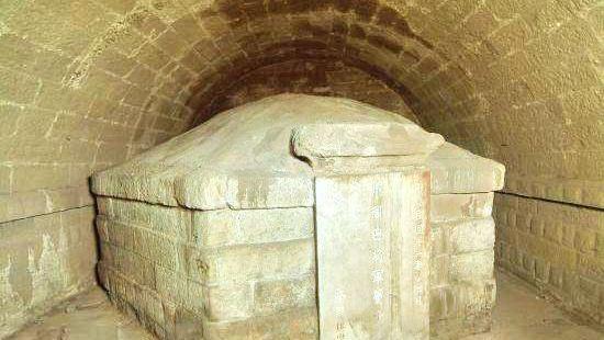 Ba Manzi Tomb