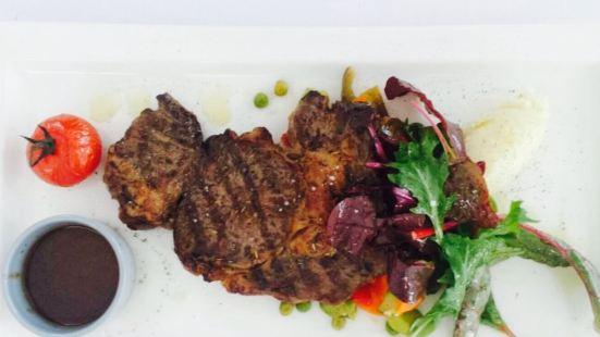 Restaurant La Plage-Gray d'Albion Barrière
