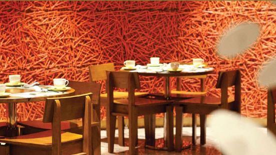 Tong Dim Noodle Bar