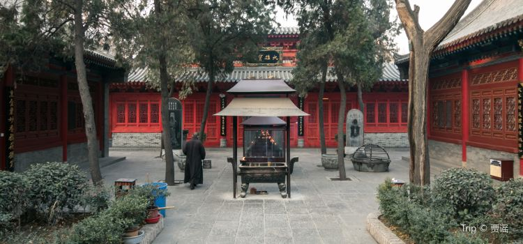 Wolong Temple3