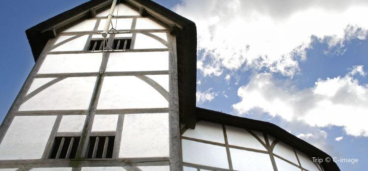 Shakespeare's Globe Theatre3