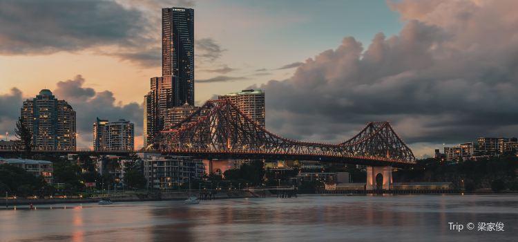 Story Bridge1