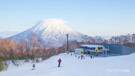 安努普利國際滑雪場