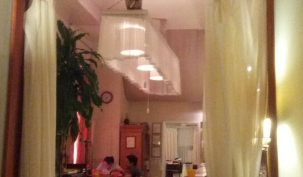 L A Rose Cafe