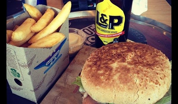 BurgerFuel Bush Inn1