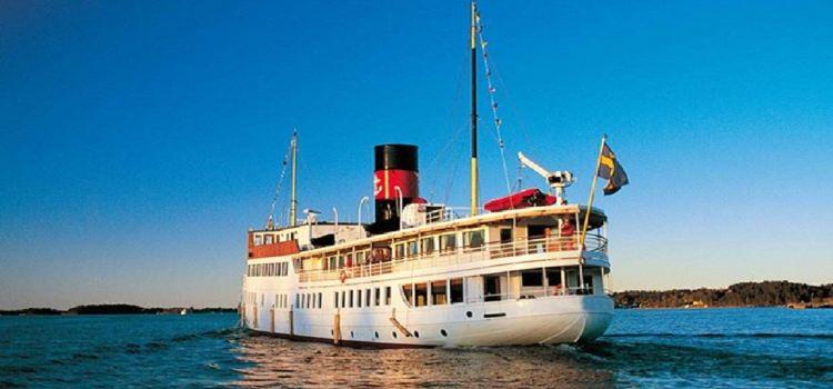 Vaxholm Cruise Tour