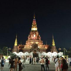 징훙 대금탑 여행 사진