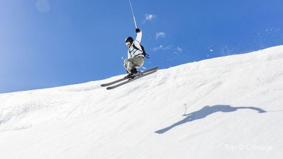 玉黛湖滑雪場