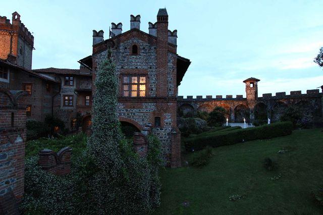 誰還不是個小公主!今晚我就要住進城堡裡做一晚貴族夢!