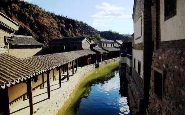 春遊去哪裡?走遍京郊即可環遊世界~