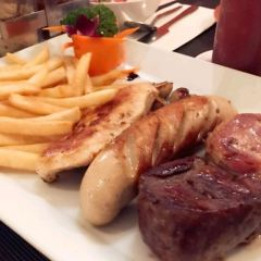 Diver's Inn Steakhouse and International Cuisine User Photo