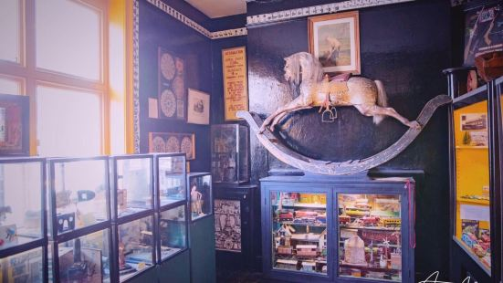 Pollock's Toy Museum & Toy Shop