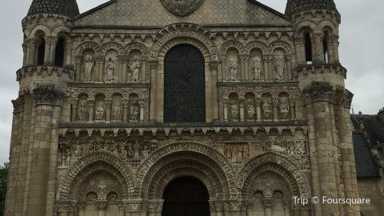 普瓦捷聖母教堂