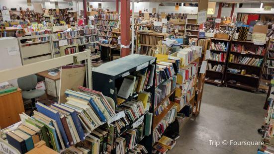 Brewster Ladies' Library