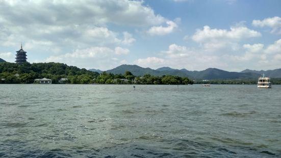 杭州西湖手划船五公園(華僑飯店)停靠點