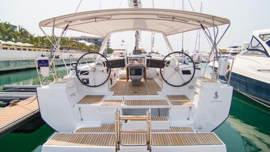 Banshan Peninsula Yacht Harbor