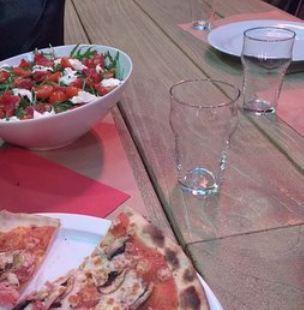 Playoff Pizza Pub