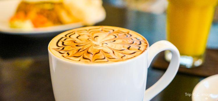 Bemo Corner Coffee Shop3