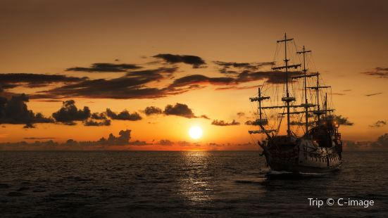 Pirate Ship-Sunset Tour