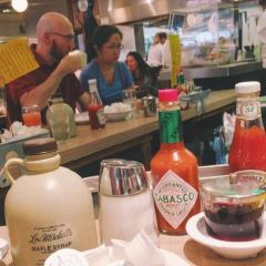 Lou Mitchell's Restaurant & Bakery User Photo