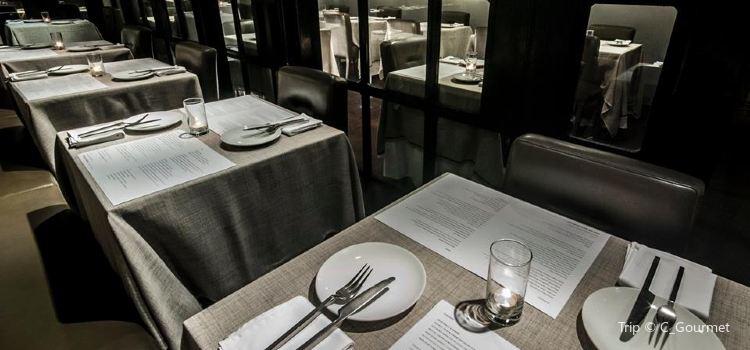 Eat Me Restaurant3