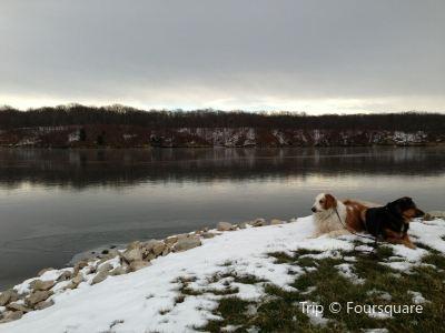 Lake Lou Yaeger