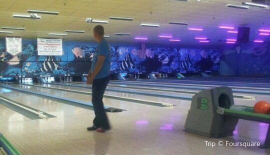 B's Bowling Center