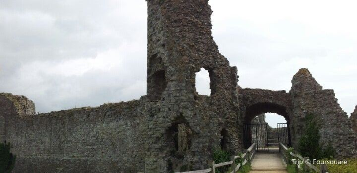Pevensey Castle2