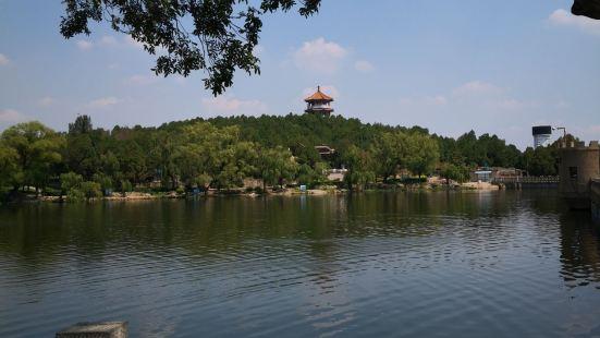 Hu Mountain Park