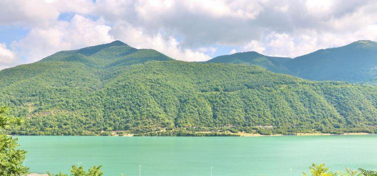 Ananuri 湖