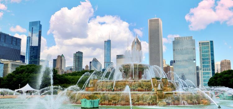 Clarence Buckingham Fountain Travel