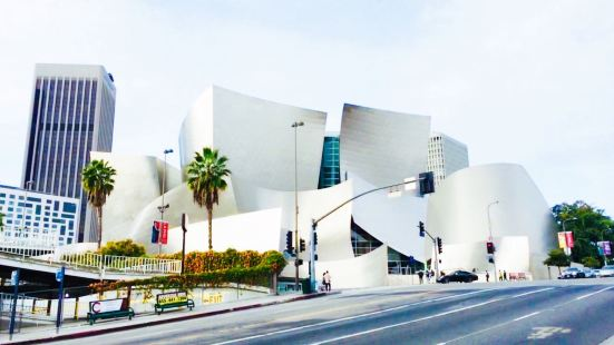 Los Angeles Contemporary Exhibitions