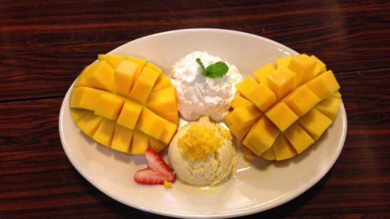 Mango Days at Honolulu