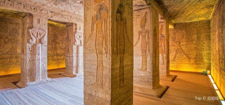 哈索爾神廟