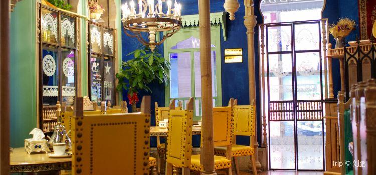 DaBaZha De Guniang — Xinjiang Theme Restaurant( Lian Cheng Square )1